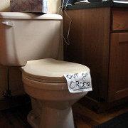 leaking-toilet-emergency